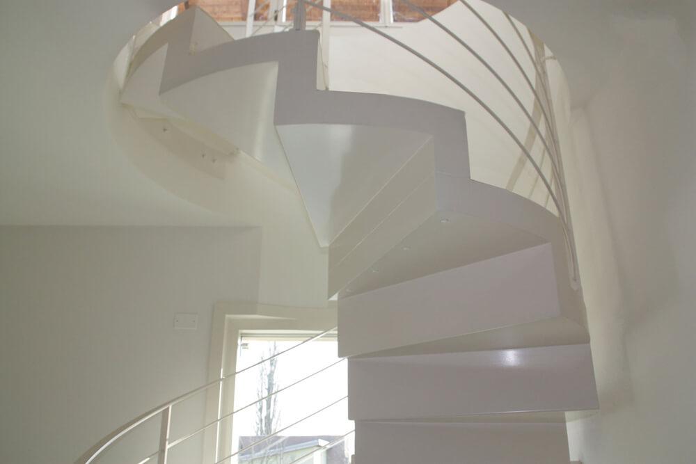 scala in metallo a spirale