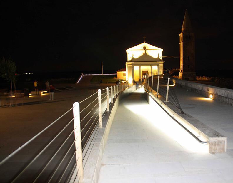 scale per luoghi pubblici